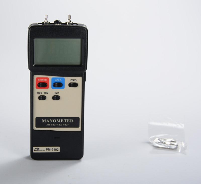 PM-9102 压力/压差计(可选配WiFI无线传输模块),可以通过互联网远程下载、实时监控数据。
